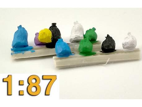 Garbage bags set of 10, HO scale (1/87)